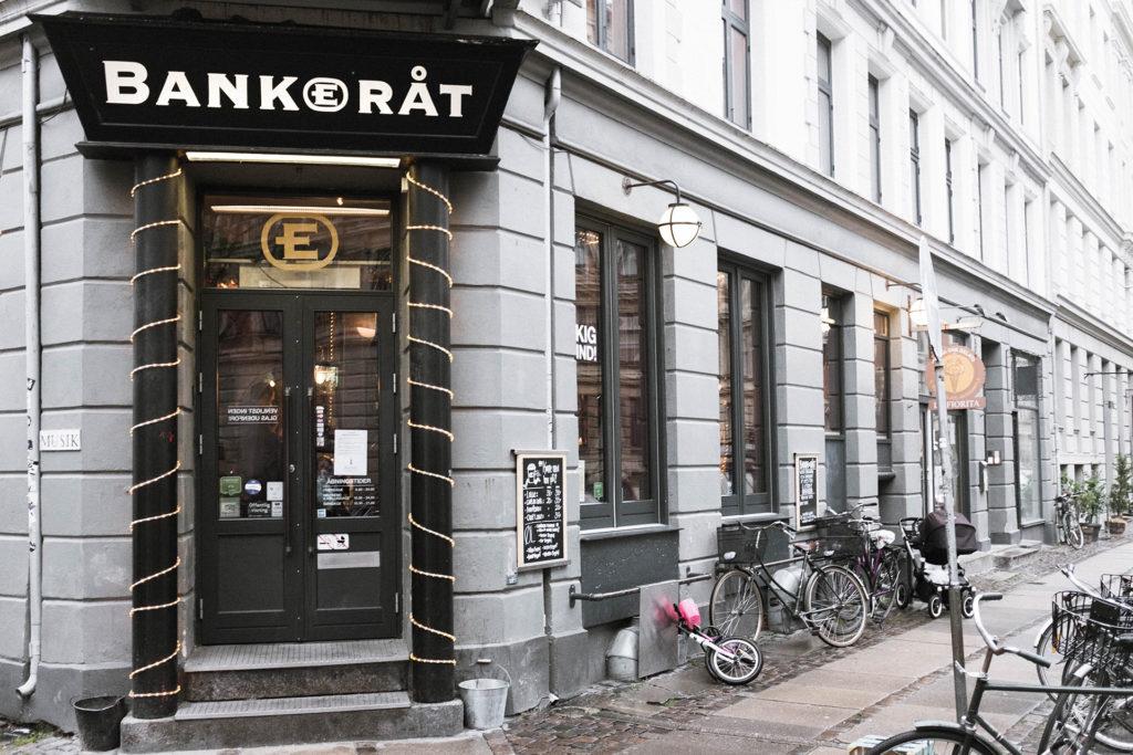 bankerat exterior