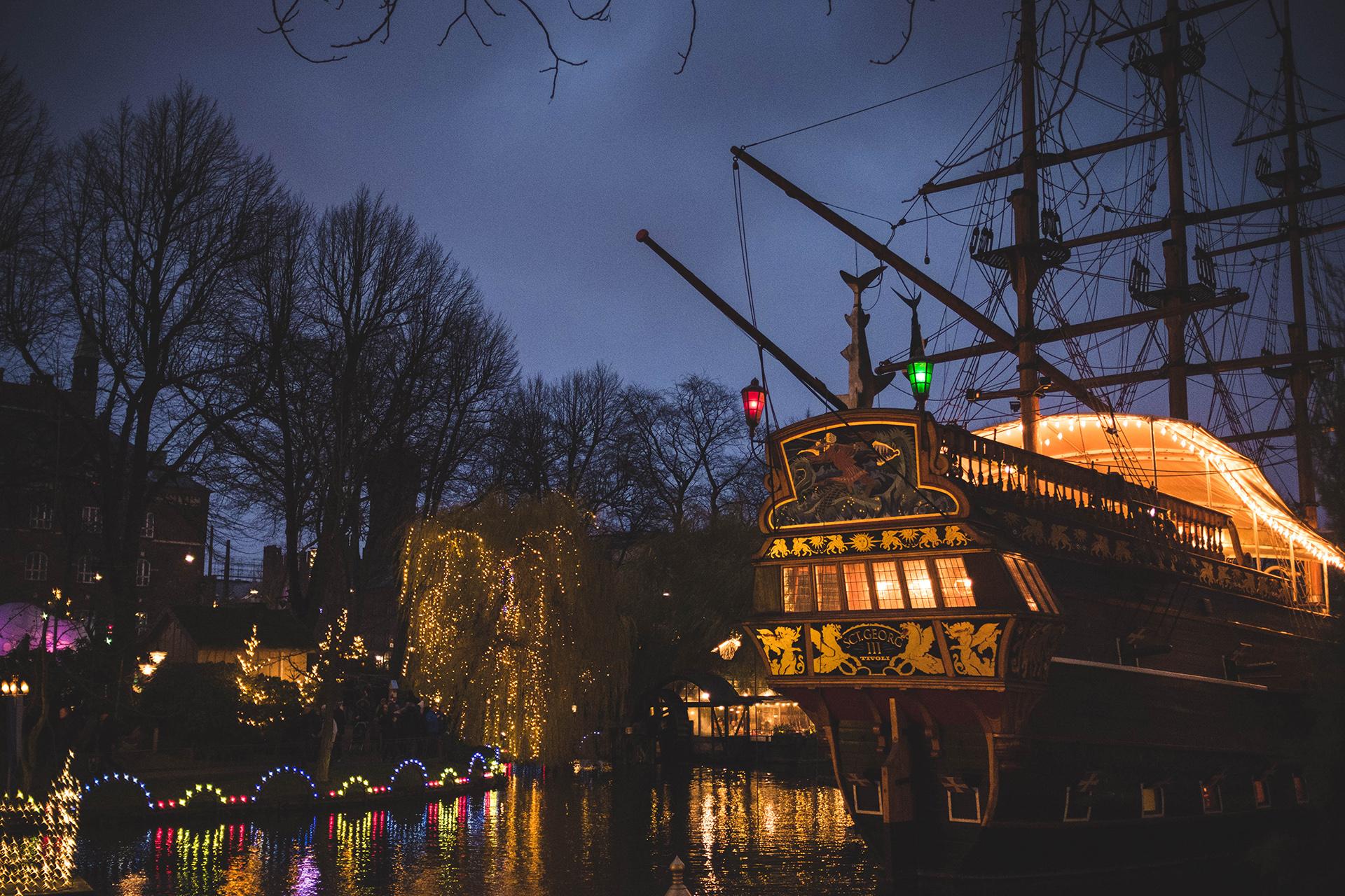 tivoli gardens boat