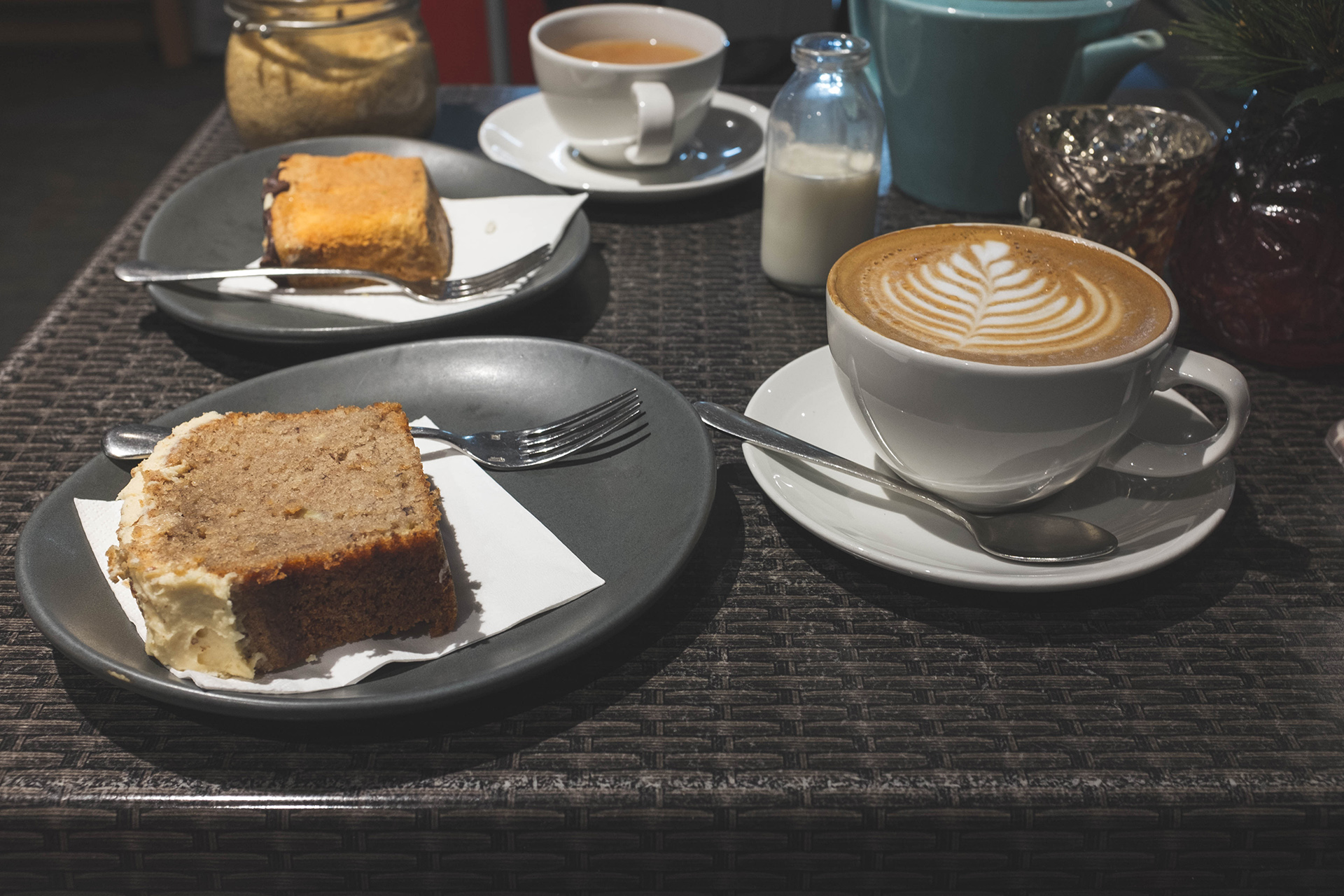 gordon street coffee latte cake
