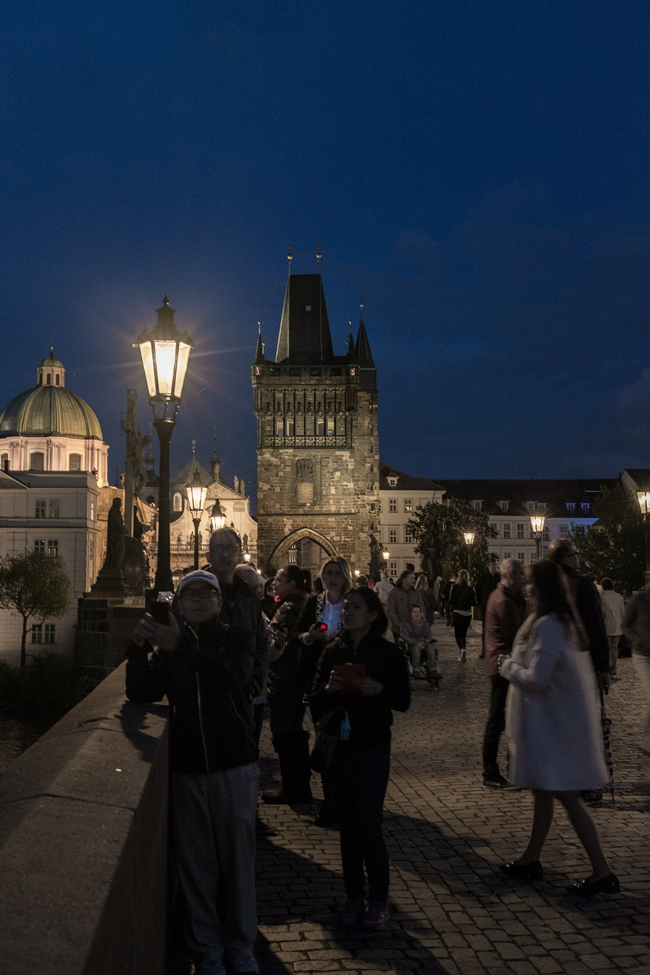 charles bridge night
